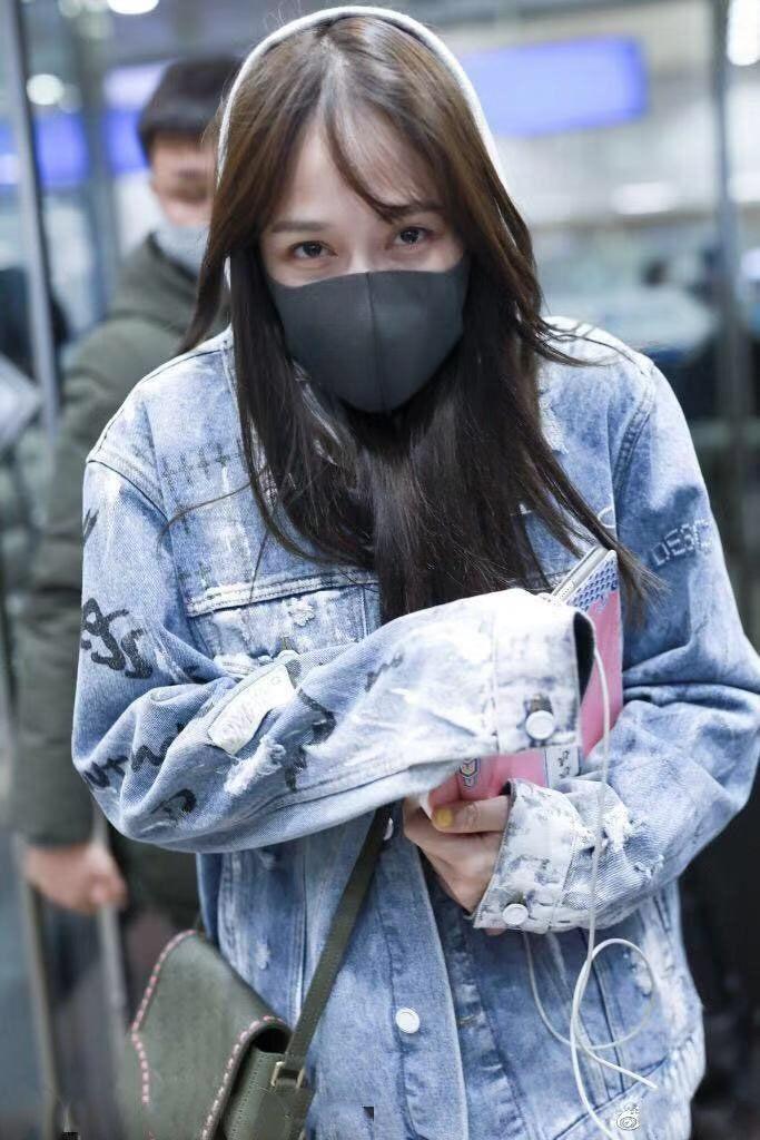 39岁陈乔恩穿牛仔外套,冬天冷到发抖粉丝:独孤皇后被冻坏了