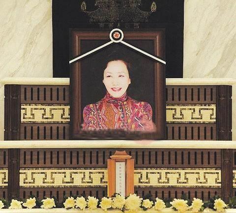 同演《大长今》走红,她生龙凤胎,她远嫁退圈,善良的她去世9年