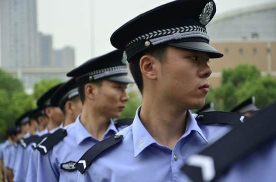 v现实后入读警校,毕业后直接当人民警察?回答很现实!镰仓高中图片