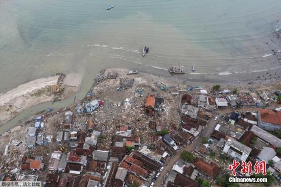 印尼海嘯造成883所房屋、73傢酒店和別墅、60傢商店和攤位、434艘船隻和41輛汽車被損毀。