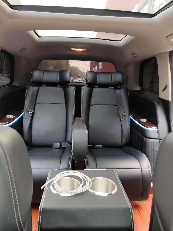 奔驰GL550尽显越野魅力,专属座驾也能变这样舒坦