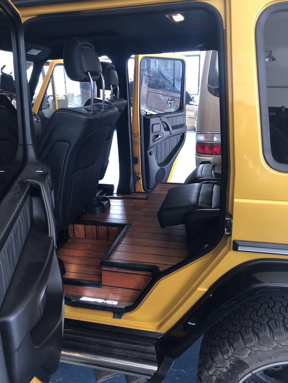 奔驰G63中的土豪 车内居然改装了造型奇特的地板和商务座椅
