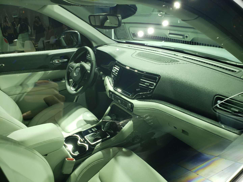 2019上海车展探馆 |涉足新能源领域 Jeep大指挥官插电混动版车型