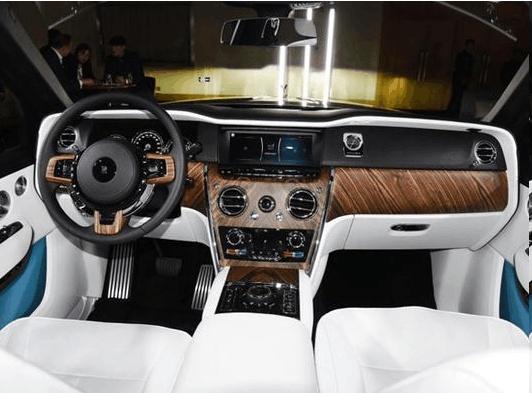 全国首提劳斯莱斯SUV,看过后备箱,才明白为什么它能卖到一千万