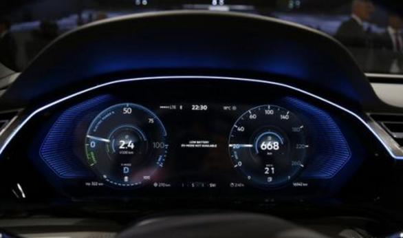 大众豪车再添新成员,百公里油耗2.3L,内饰比肩奔驰,价格很感人
