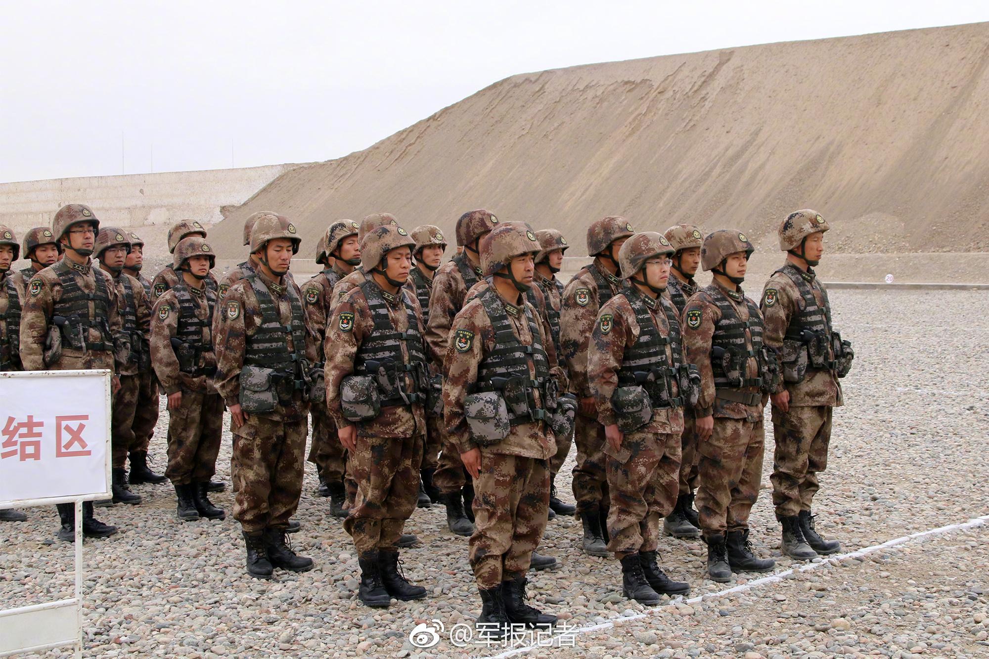 红场胜利日阅兵式首次彩排 130件武器亮相