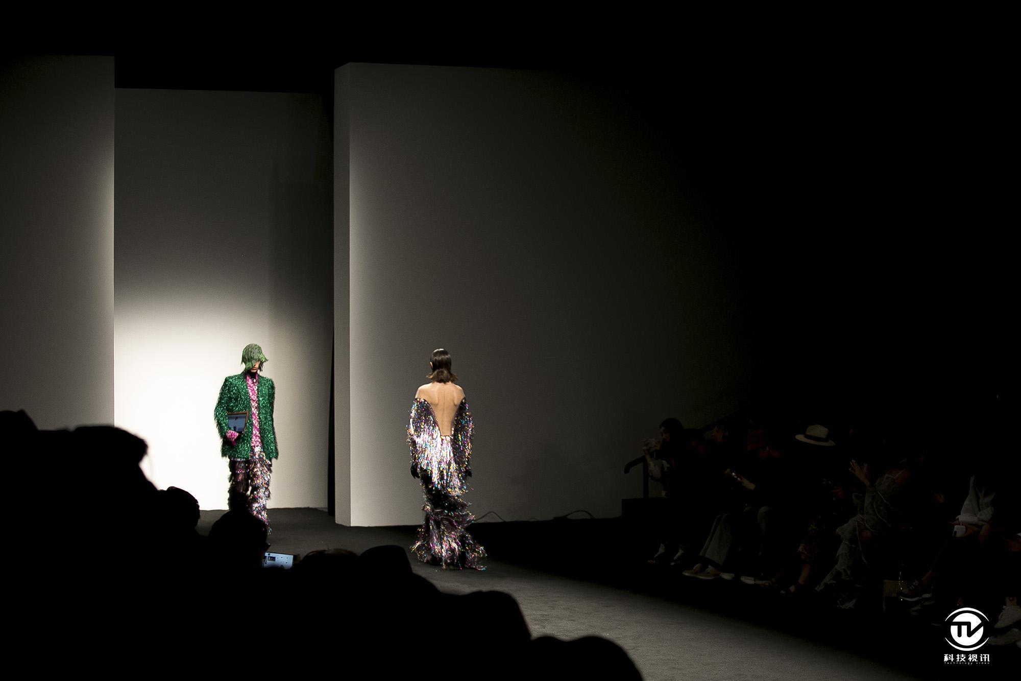 时尚与品质的交汇 惠普幽灵Folio走秀上海时装周