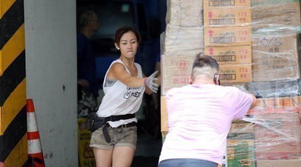 香港网红美女搬运工电视相亲:想找个脚踏实地男子汉