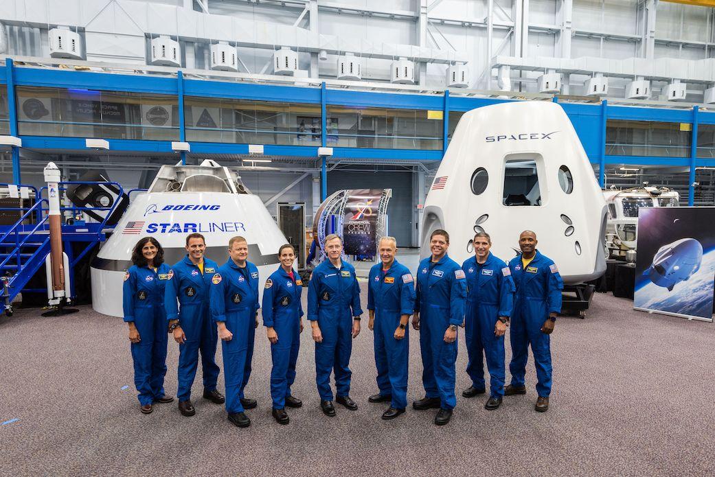 马斯克的载人飞船无人首飞成功,并致敬科幻电影《异形》