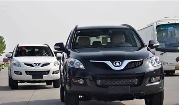 在这个国家奇瑞QQ就是豪车,想买还得拉一卡车的钱