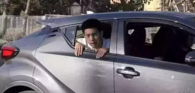 广汽丰田CH-R增配天窗,弥补后排空间狭小
