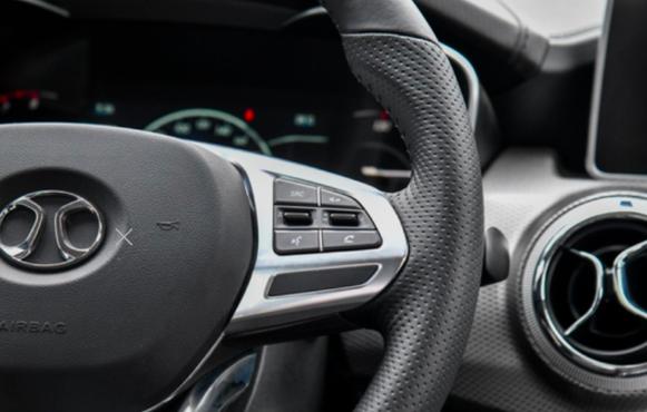 谁是最有温度A级SUV 绅宝智行以AI实力叫板本田缤智