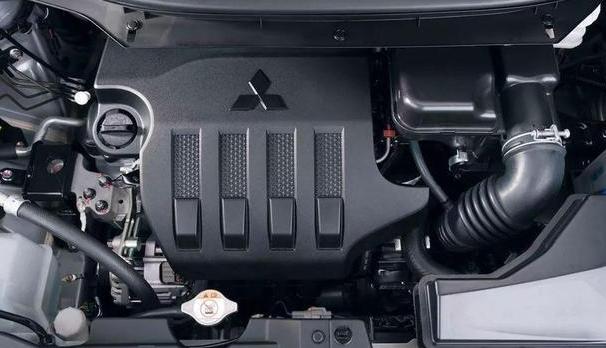 全新日产骊威海外现身!黑色车身比较硬气 轴距2775mm配三菱1.5L