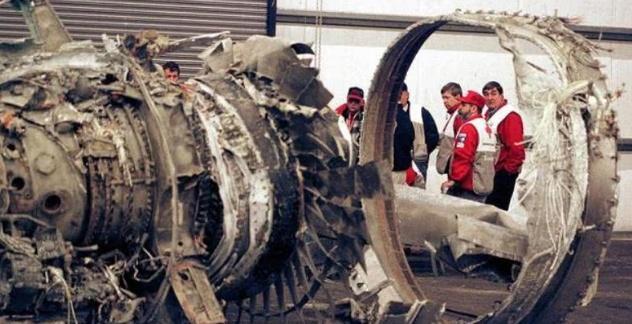 副机长为复仇,果断关闭发动机,33位优秀战机飞行员不幸牺牲!