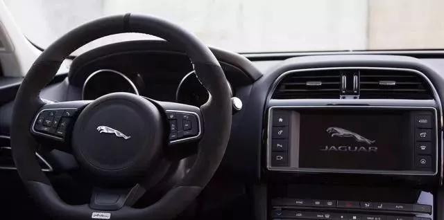 跑车味的英伦SUV,这样改分分钟秒杀各种性能车!