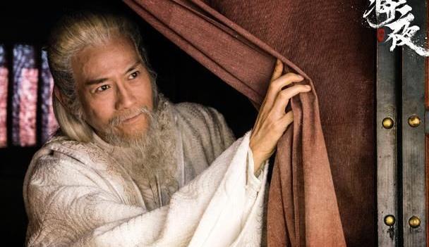 """当71岁""""不老男神""""郑少秋摘掉假发后,网友直呼:不敢认!"""