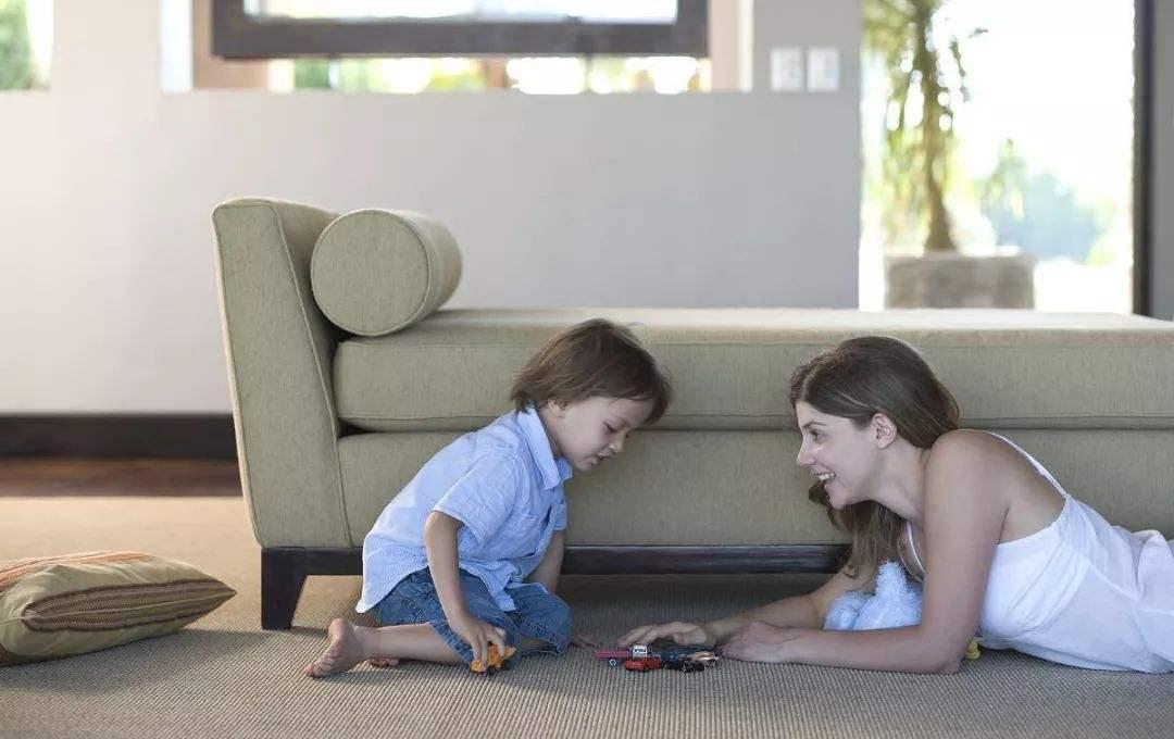 为啥孩子真正对孩子三分钟根源?不是玩具的错,总是娃娃在父母卡通情侣头像一男一女热度图片
