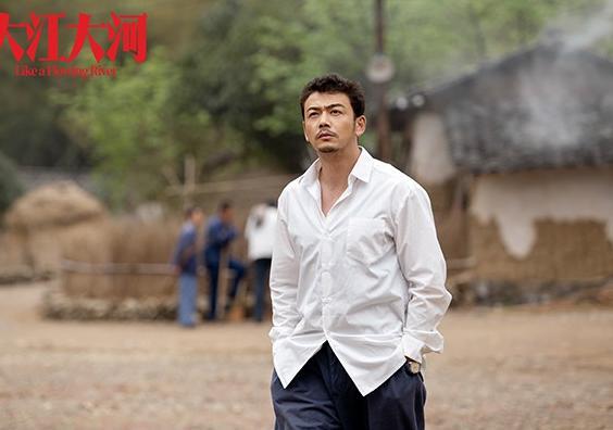 杨烁这个东北纯爷们才凭借与刘涛合作的《欢乐颂》走红