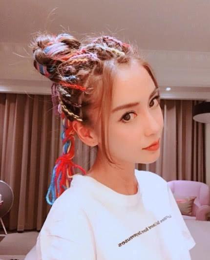 女明星换发色,杨颖酷炫,热巴像洋娃娃,网友:杨幂像另一个人!
