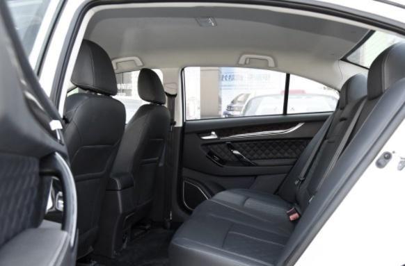 众泰Z500EV,这辆汽车造型很很时尚,符合很多人的审美