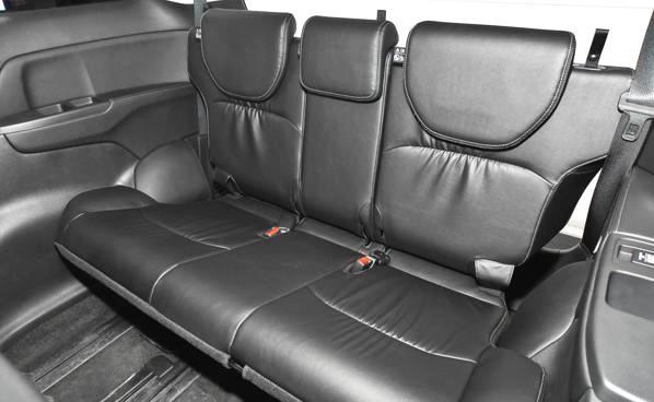 轴距两米九,第二排堪比飞机头等舱,难怪它能成为博鳌媒体专用车
