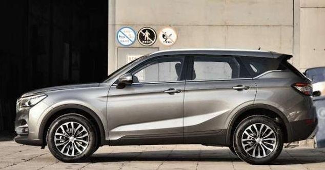 这款SUV:销量过万,宝马打造,标配10寸大屏,重点是仅8万