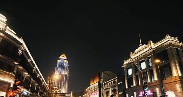 武汉江汉路步行街,百年老街,中国最长的步行街!图片