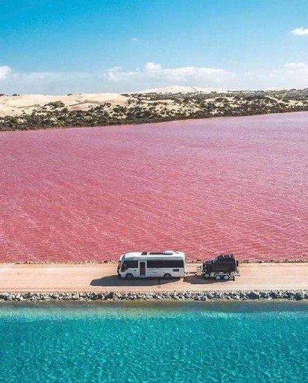 麦克唐纳尔湖,位于南澳的彩虹蛋糕。忍不住想咬一口鸭~