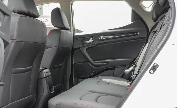 曾经的小型SUV小霸主,江淮瑞风S3,为何销量下滑到底了