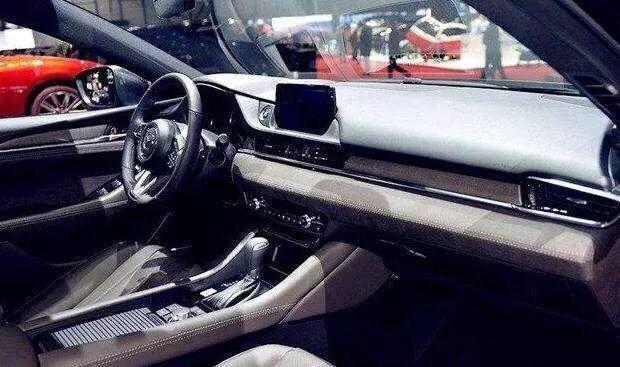 买全新天籁不如买这车!操控不输宝马 2.5T动力超雅阁,才18万起