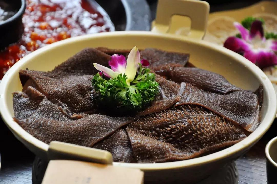 在西安品尝正宗的重庆老火锅陆派·巴倒烫火锅 超值福利限时发放