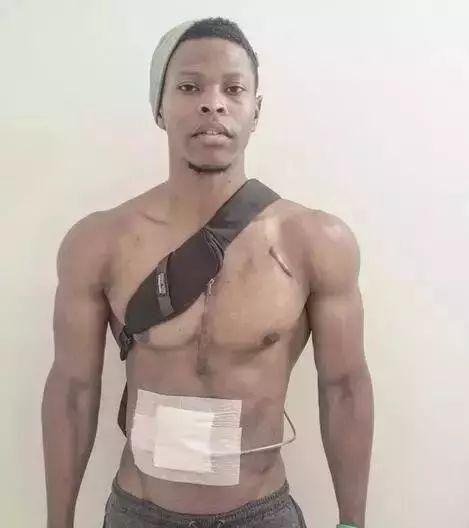 他是一個只有肌肉沒有心臟的男人