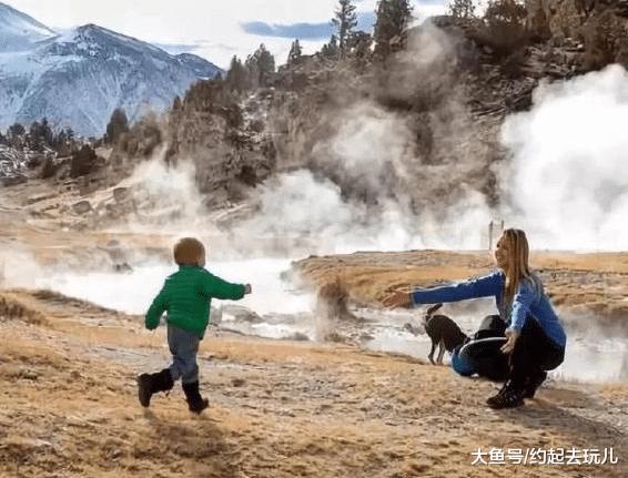 最小的背包客, 2岁就去了美国34个州, 徒步走了400公里的路