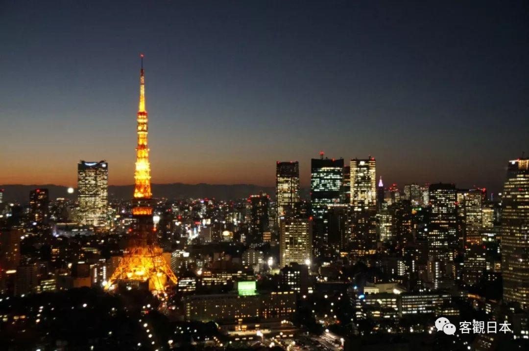东京塔除夕夜披红妆,象征意义大于景观