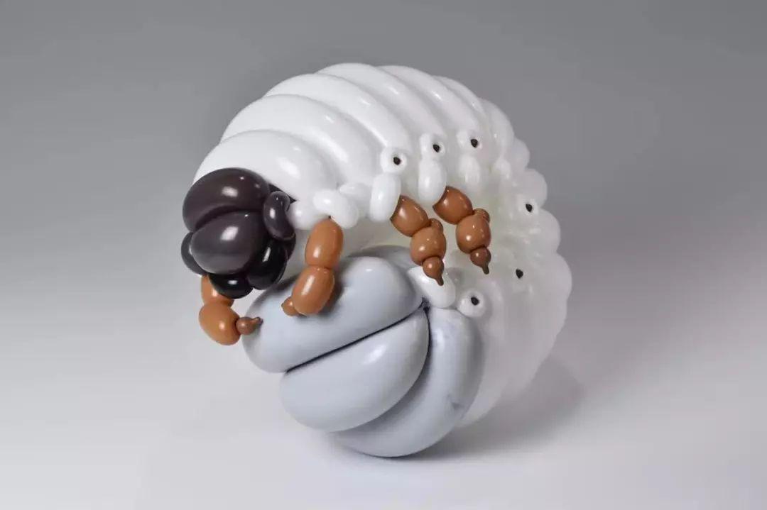 这个日本艺术家用气球捏出宇宙万物 看完膝盖已碎