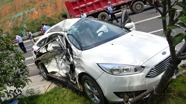 浏阳男子为抄200米近路逆行 撞上大货车一死两伤
