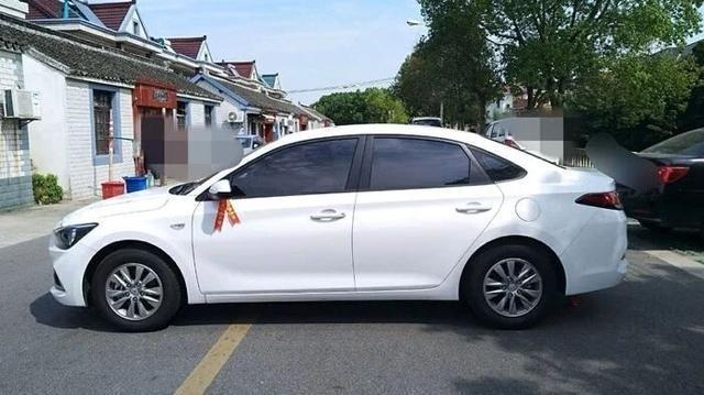 想买家用车的别急,悦动从8万一路降至5.2万,油耗仅5.6L!