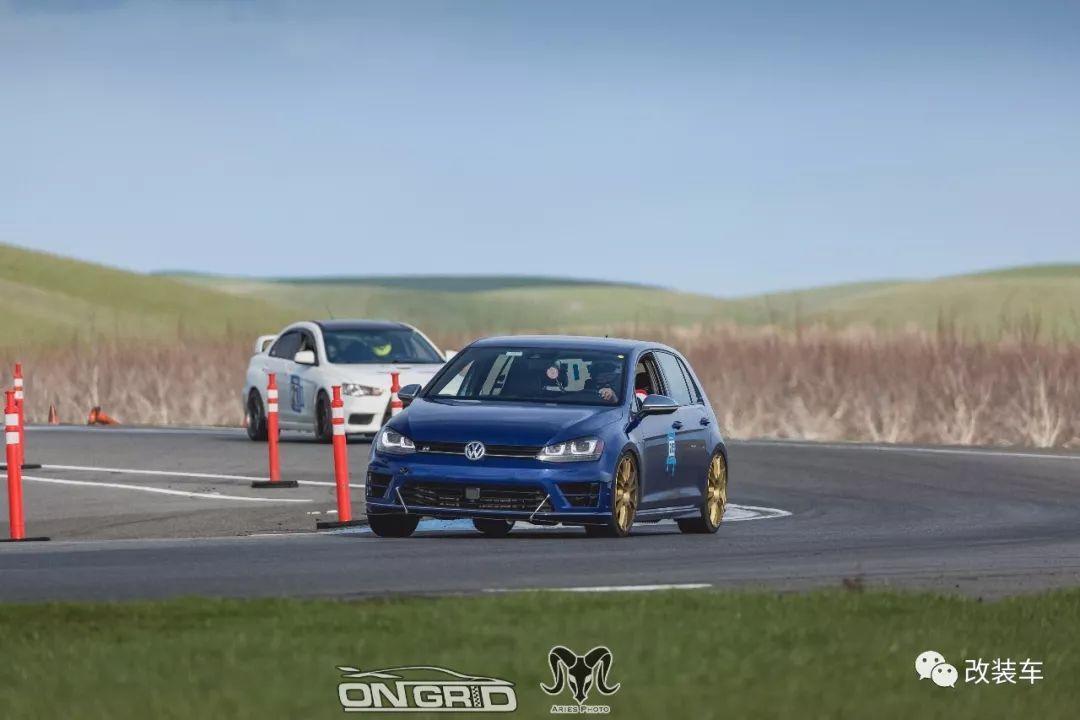 车友开GTI跑山失控堕崖,康复后购入高R转跑赛道!