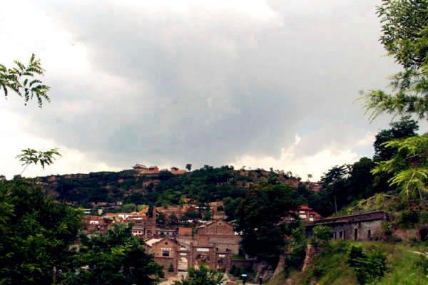 古镇是宋元以后耀州窑唯一尚在制瓷的旧址