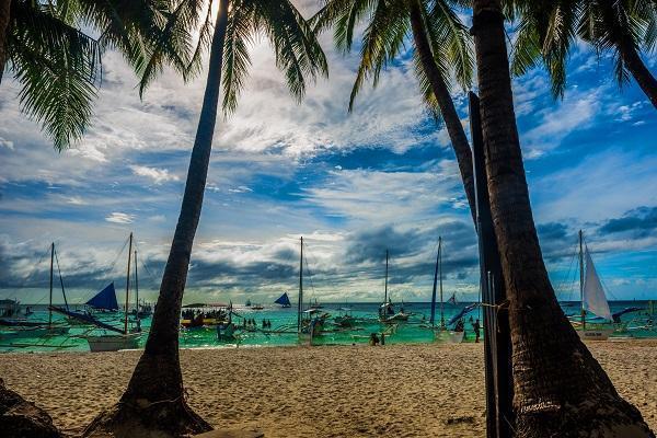 定啦!菲律宾长滩岛于下月重新开放,25家酒店已获批接待旅客