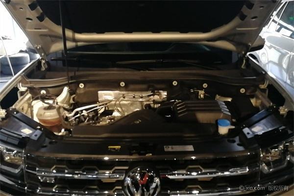 汉兰达可能要输?这款车换国六后狂降3万,加满油跑800Km重2吨