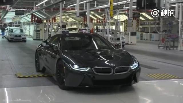 如何组装一台宝马i3新能源汽车?看完你就知道了!长春车天下汽车街拍  