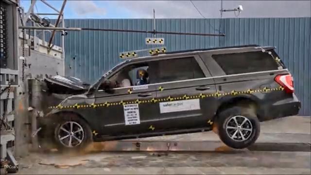 号外!2018款福特征服者XLT碰撞安全性能测试视频曝光,安不安全你来看...