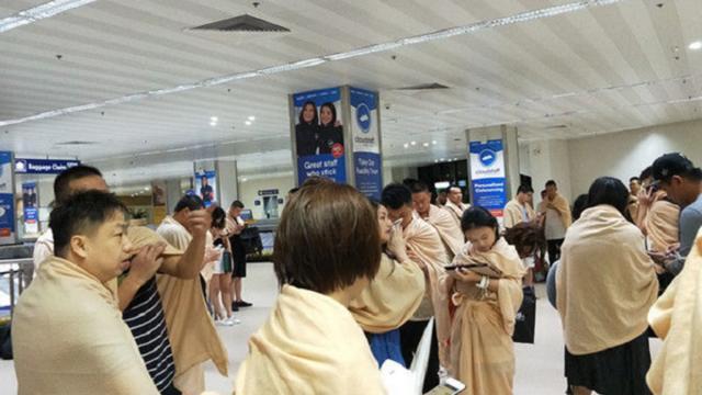 厦航客机在马尼拉降落时偏出跑道 飞机受损 机上165人全部安全撤离
