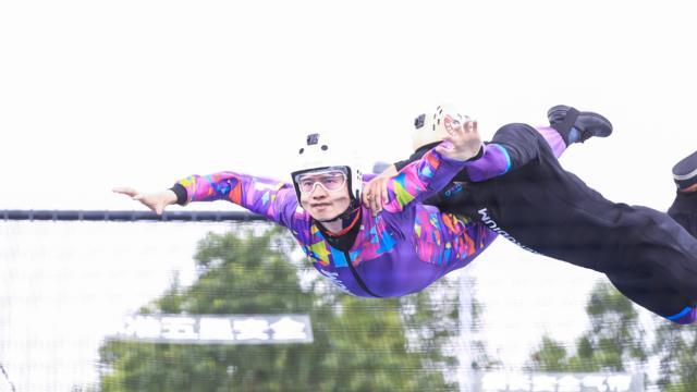 挑战极限风洞,车主们打破重力束缚,悬浮空中感受心跳