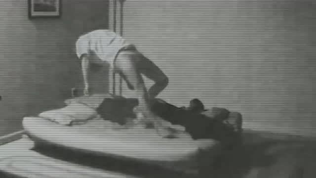 女子醒来全身是伤,怀疑是梦游,监控却拍下灵异事件