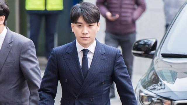 韩国男星胜利又被曝出新聊天记录,不仅涉嫌赌博对女性还明码标价