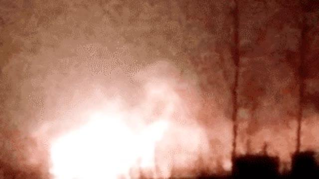视频-盐城化工厂爆炸已致6死30重伤 附近居民:门被炸出5米
