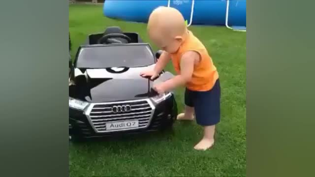 视频:爱车从小baby就开始!奥迪Q7@奥迪   ()