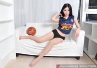 广东宝贝秀嫩肤美腿